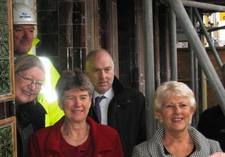 Finance Minister Jane Hutt visits Bee and Station